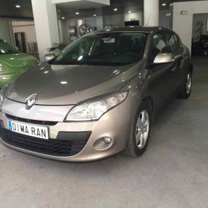 Renault Megane gris